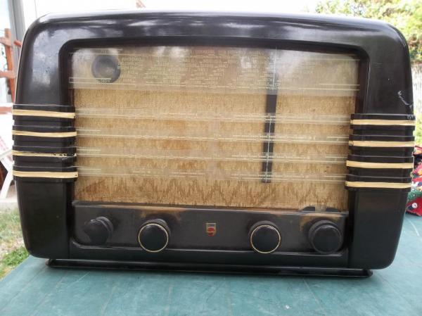 Poste de radio acheté à Béni-Saf (vers 1950)