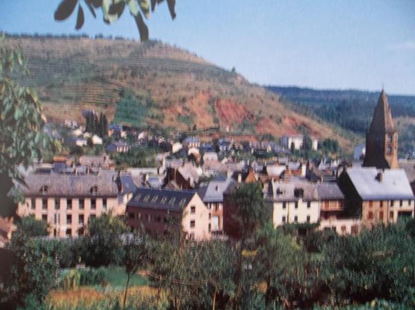Randonnée à Marcillac-Vallon (colonie de vacances de Béni-Saf 1957)