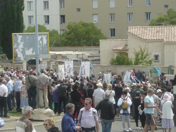 Comme à Oran autrefois : pèlerinage à Nîmes Santa Cruz