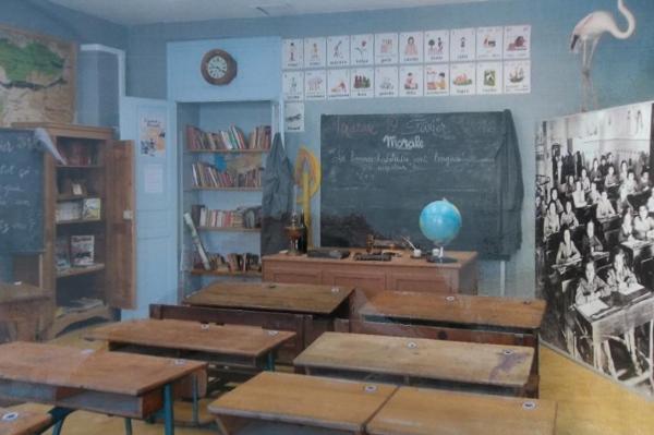 Salle de classe d'autrefois. Ecomusée des mémoires.