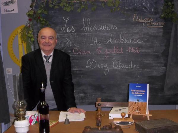 Ecomusée des Mémoires de Puisserguier (34). Classe d'autrefois reconstituée.